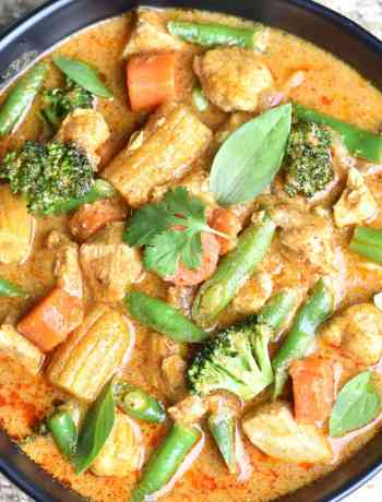 Thai Massaman Curry, a milder Thai curry, is a nice blend of sweet and spicy. The coconut milk adds a touch of creaminess and takes just 5 minutes in the Instant Pot. by Spice Cravings. #cooking #food #recipe #recipes #foodphotography #foodblogger #yummy #delicious #foodie