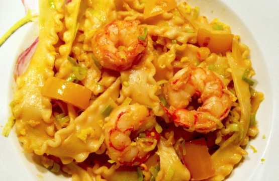 Easy shrimp pasta recipe. easy prawns pasta recipe. Family friendly pasta meals