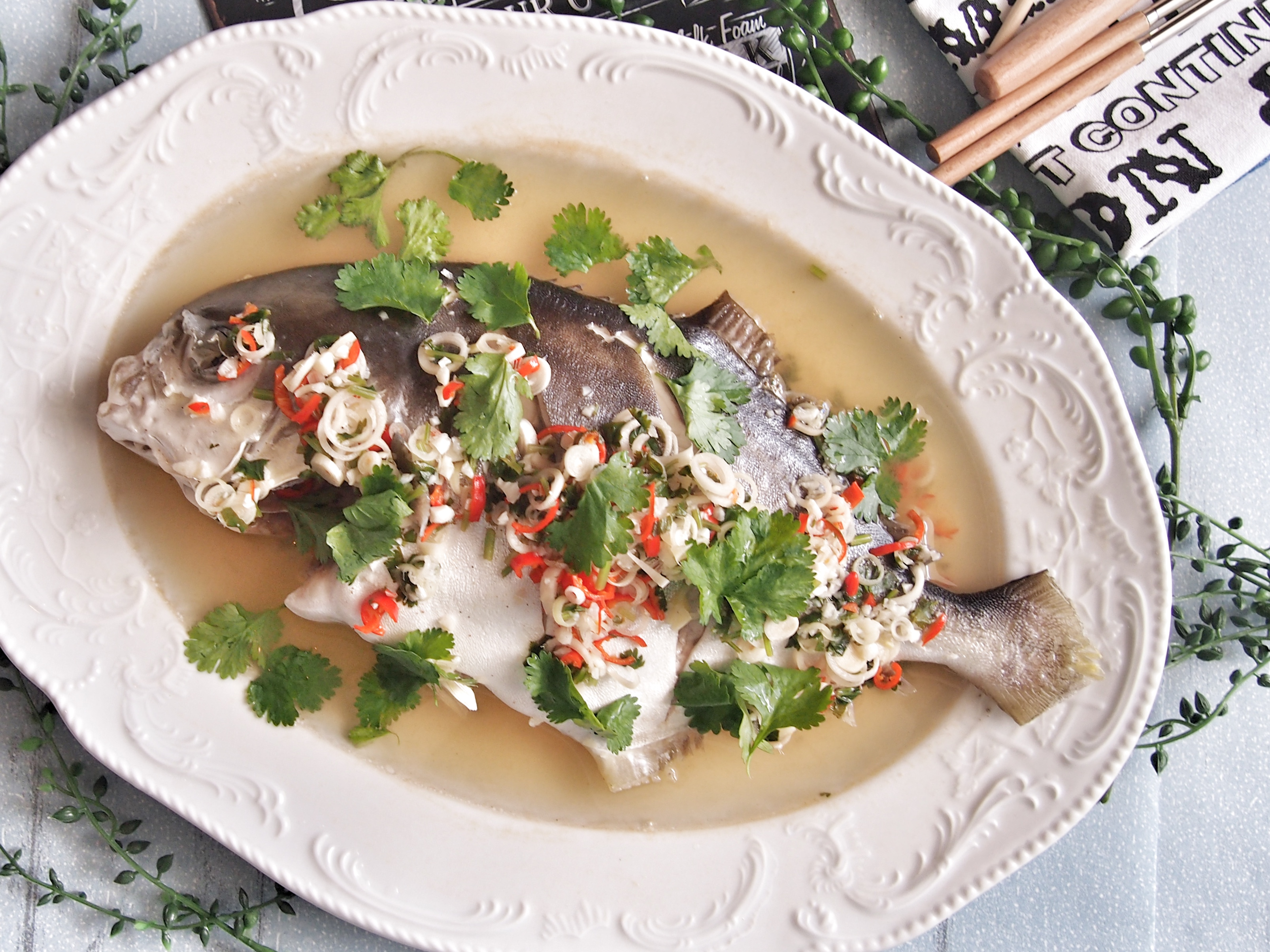 SUPER DELICIOUS 15 MIN Thai Steamed Fish with Garlic & Lime
