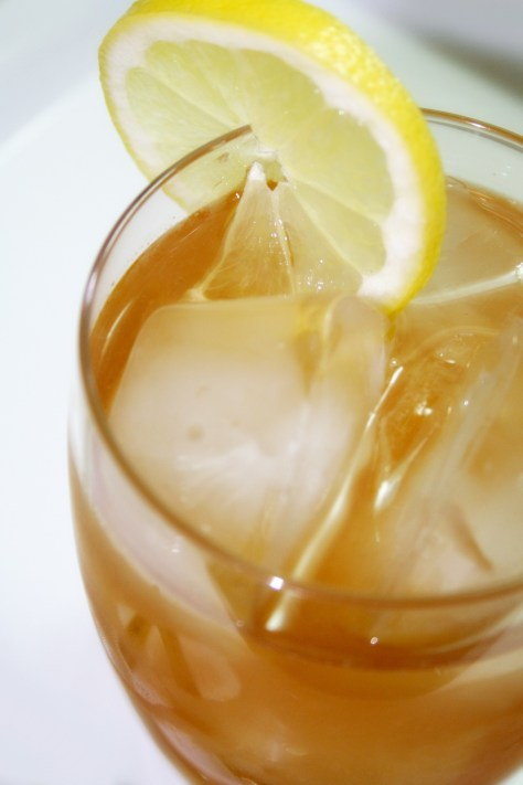 Sleepy Arnold Palmers (Lemonade and Valerian Iced Tea) © Spice or Die