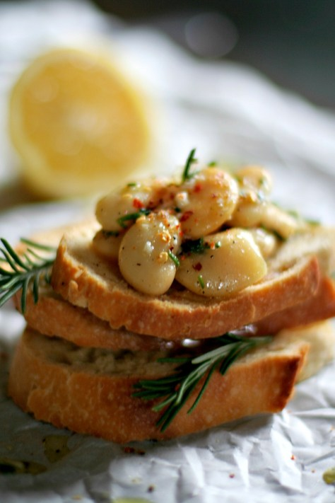 White Bean Bruschetta © Spice or Die