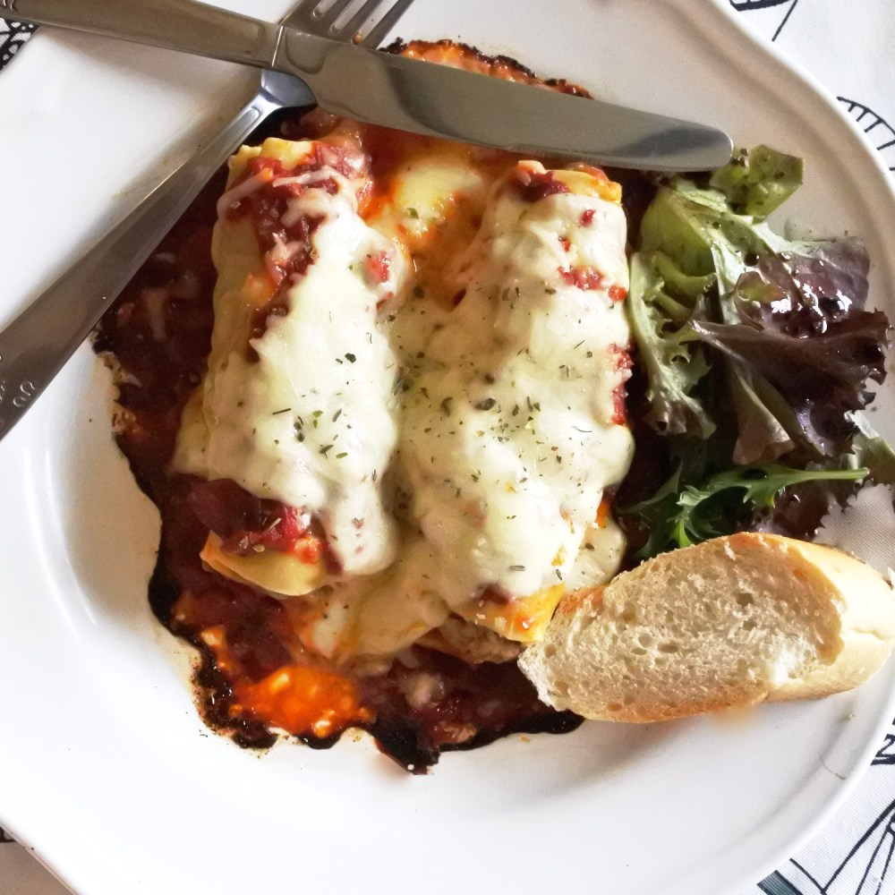 Cannelloni with spicy chorizo sauce