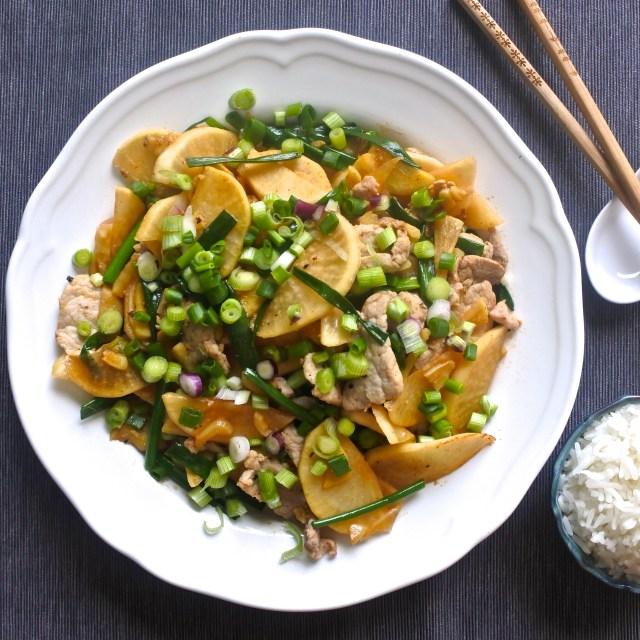 Pickled Daikon and Pork Stir-Fry