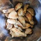 fried chicken wings in bowl