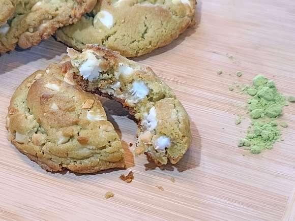 White Chocolate Chip and Cashew Matcha Cookies