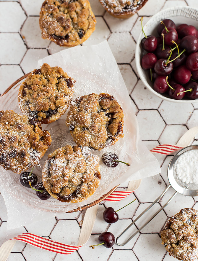 Fruit Mince Crumble Pies