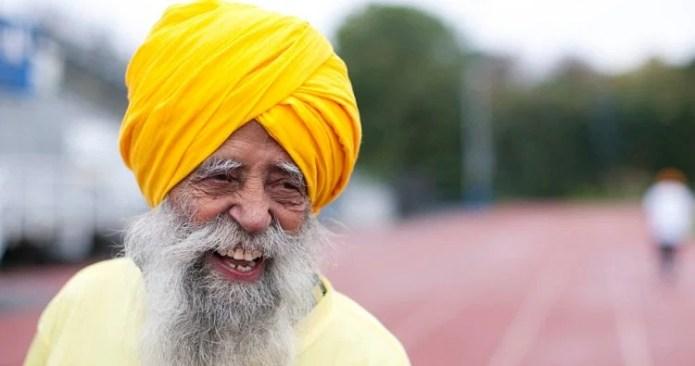 World's Oldest 105 Years Old Fauja Singh Long Life Secret, Exposed In A  Interview At Patiala - 105 साल के फौजा सिंह की लंबी उम्र का बस एक ये राज  है, यकीं