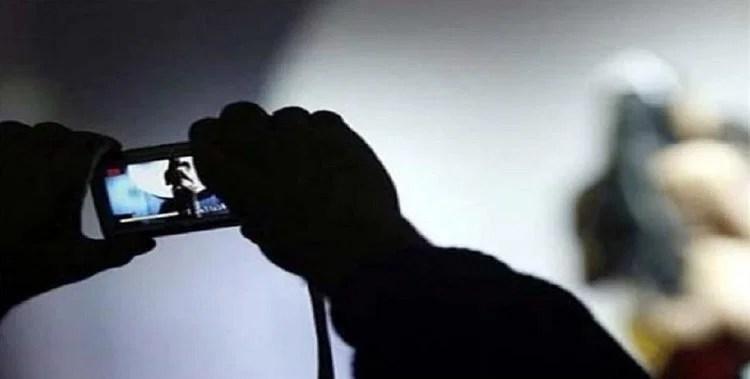 Up: Special Secretary Education, Victim Of Honey Trapping, Porn Video Viral, Blackmail Was Being Done By Sending Obscene Videos - यूपी : हनी ट्रैपिंग के शिकार हुए विशेष सचिव शिक्षा, वीडियो वायरल, अश्लील वीडियो भेजकर किया जा रहा था ब्लैकमेल - हिन्दी समाचार ...