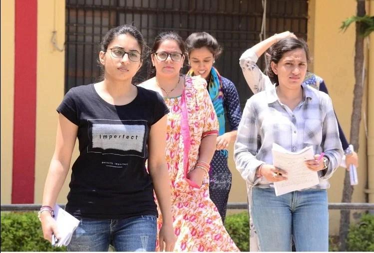 महाराष्ट्र ने भी रद्द की बारहवीं बोर्ड परीक्षा, शिक्षा मंत्री वर्षा गायकवाड़ ने की घोषणा