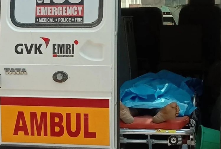 coronavirus suspect man dead body laying in an ambulance for 13 hours in bhadohi up covid 19 1589780817