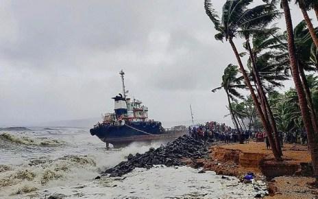 निसर्ग चक्रवात और तूफान: महाराष्ट्र में दस्तक के बाद मध्य प्रदेश में जारी अलर्ट, लोगों से घर में रहने की अपील – Home निसर्ग 'तूफान: महाराष्ट्र में दस्तक के बाद मध्यप्रदेश में जारी जारी, लोगों से घर में रहने की अपील