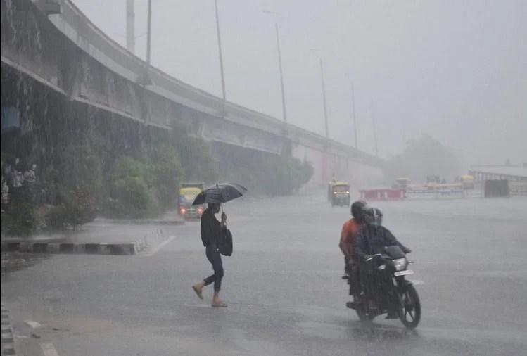 Delhi Ncr Weather Update Today: Heavy Rain Lashes In Parts Of Delhi Noida  Ghaziabad Gurugram Faridabad Water Logging Traffic Jam - Delhi Weather:  दिल्ली-एनसीआर के कई इलाकों में हो रही तेज बारिश,