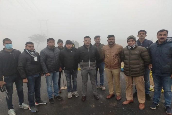 पुलिस टीम के साथ एसपी सिटी बोत्रे रोहन प्रमोद