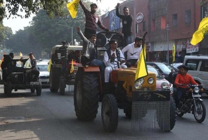 चंडीगढ़ में निकला ट्रैक्टर मार्च।