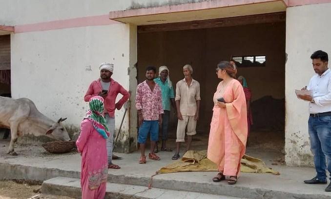 ADME Archana Dwivedi inspecting the Gaushala in Kalsi