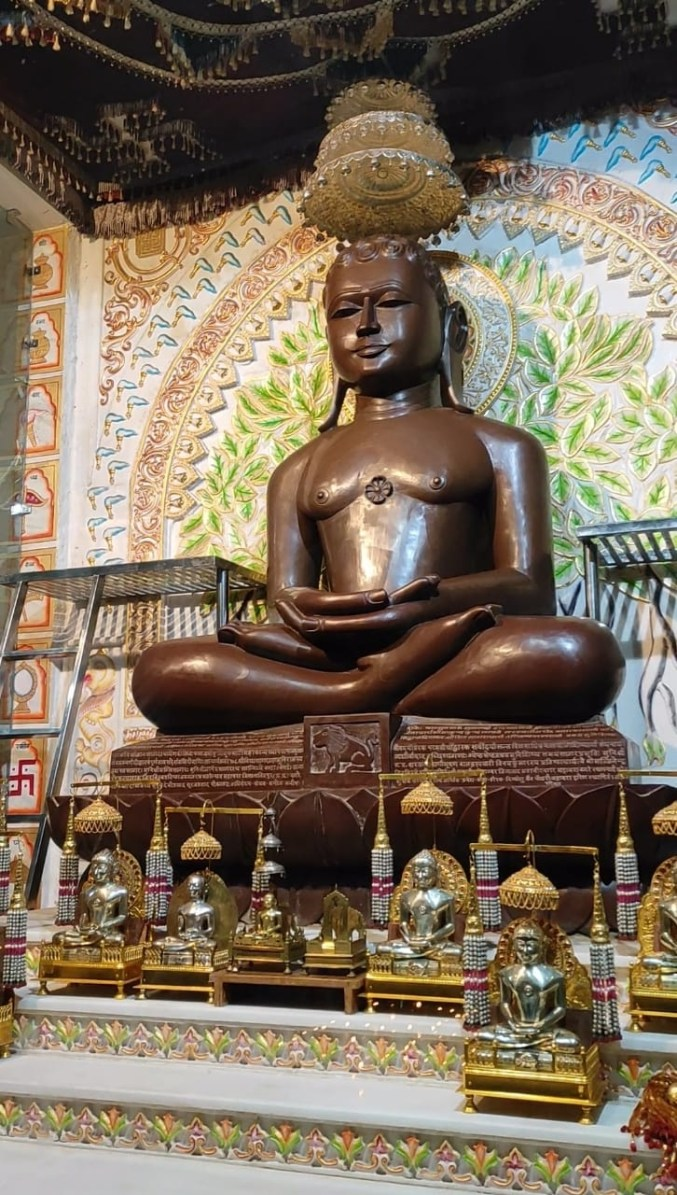 Moolnayak Statue of Mahavir Swami