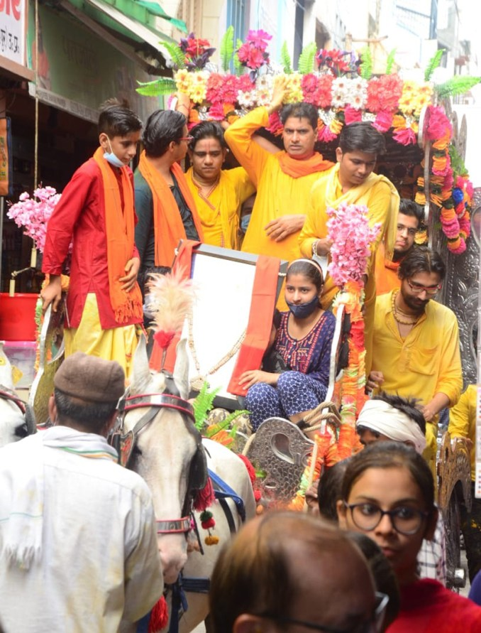 Devotees taking out procession on Shri Radha's birth anniversary