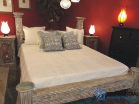 Vintage Column Bed - Cal King