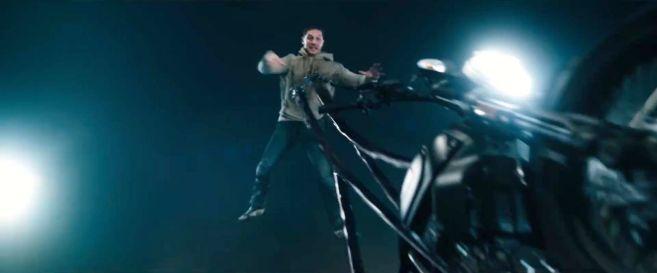 Venom - Trailer 2 - 20