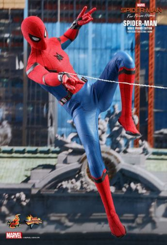 Hot Toys - Spider-Man Far From Home - Spider-Man Movie Promo Edition - 01