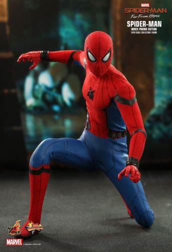 Hot Toys - Spider-Man Far From Home - Spider-Man Movie Promo Edition - 06