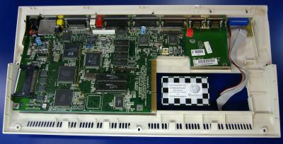 All maskinvaren til Amiga 1200 (utenom strømforsyningen) fikk plass i selve tastaturet. Bilde: Johann H. Addicks - addicks@gmx.net - Self-photographed, license underGFDL1.2 + CC-by-nc-nd/3.0, GFDL 1.2, https://commons.wikimedia.org/w/index.php?curid=5555712