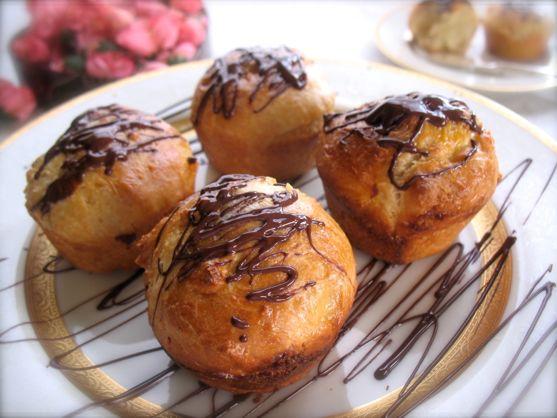 White Choclate Brioche with Dark Chocolate Drizzle