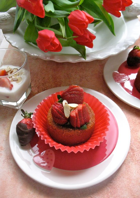 Strawberry Pecan Short Cake with Strawberries by Spinach Tiger
