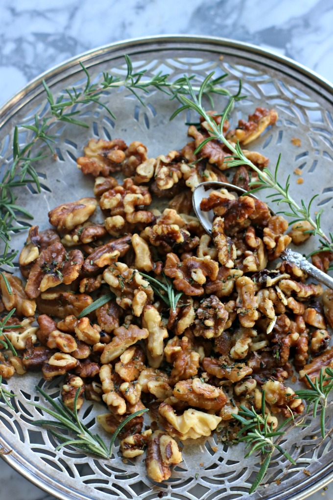 How to Make Roasted Rosemary Walnuts from Spinach Tiger