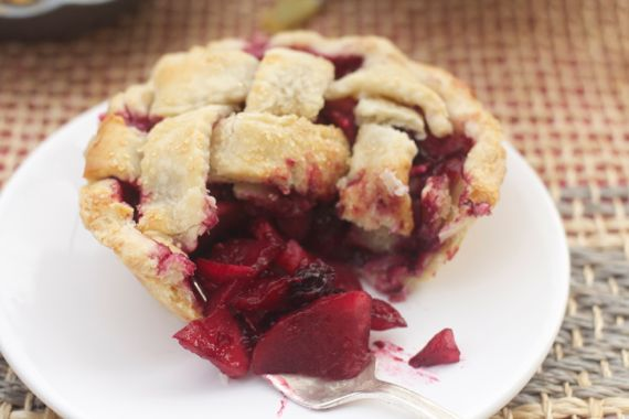 apple berry pie by Angela Roberts