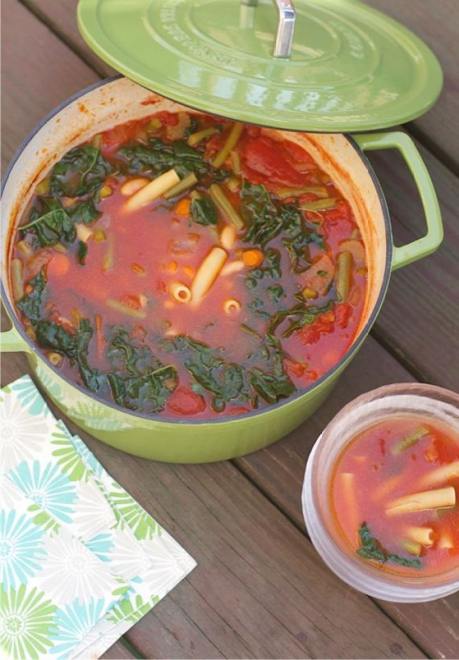 Quick Minestrone Soup from Spinach Tiger