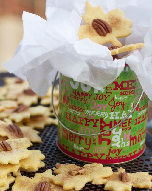 Pennsylvania Dutch Sand Tarts, Amish Christmas Cookie by angela roberts
