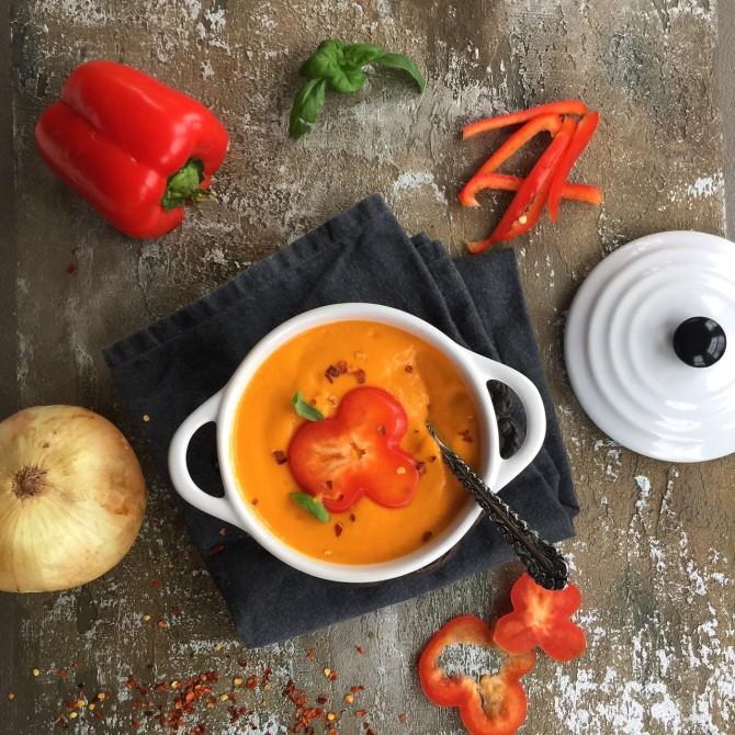 Roasted Red Pepper Soup from Spinach Tiger