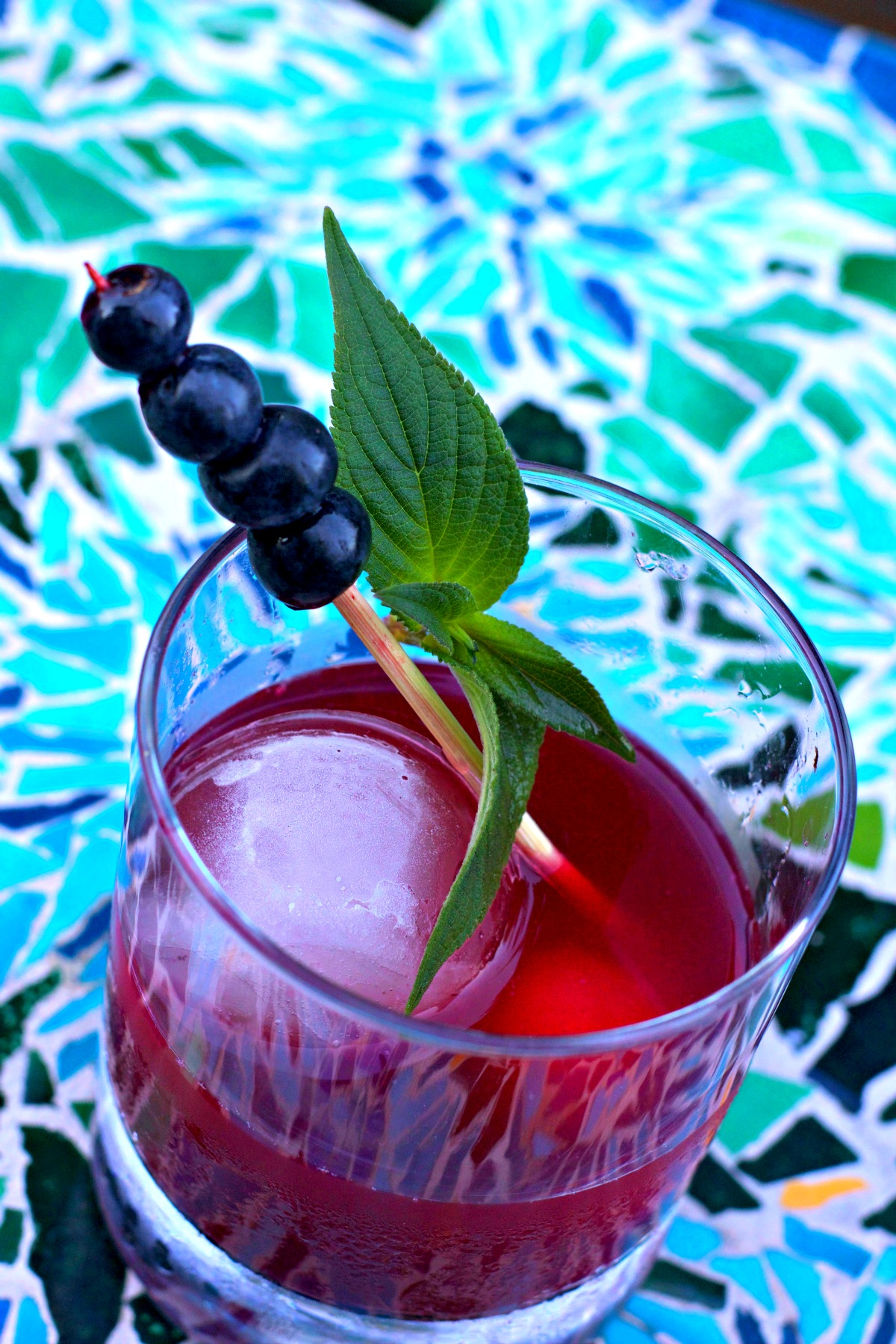 How to Make a Blueberry Old Fashioned Cocktail from Spinach Tiger