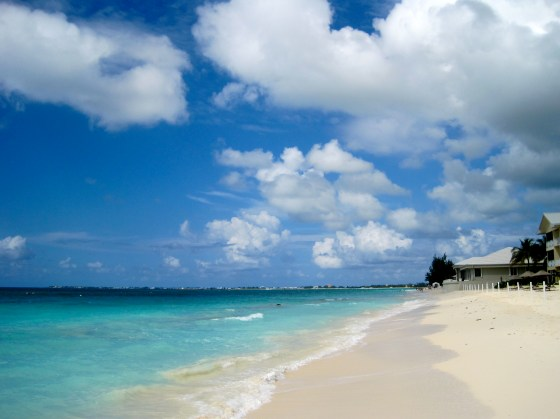Seven Mile Beach auf Grand Cayman