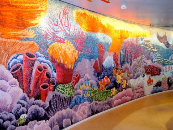 """""""Findet Nemo""""-Wandmosaik im Buffetrestaurant """"Cabanas"""""""