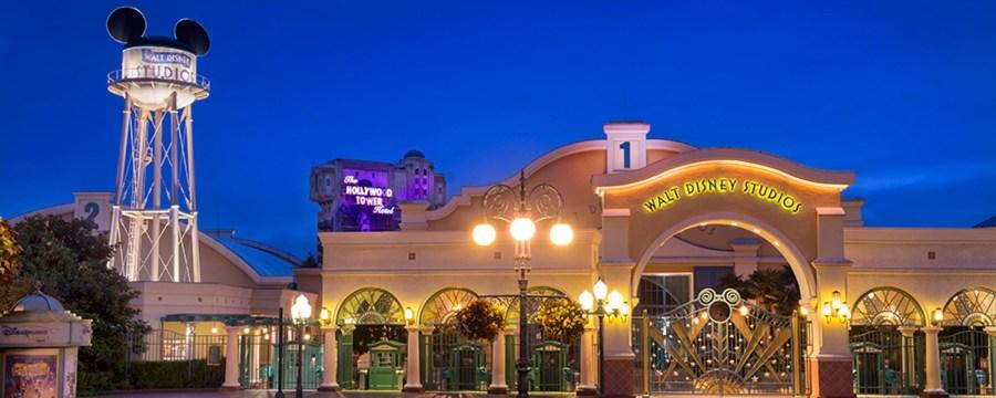Die Walt Disney Studios bei Nacht: Erfahrt jetzt die wichtigsten Disneyland Paris Tipps und Tricks