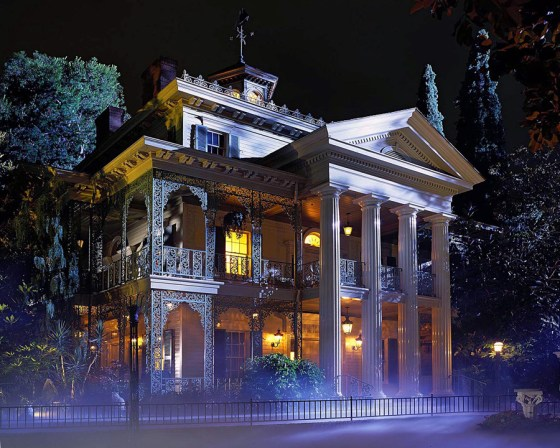 "Disney-Remake: Ryan Gosling in Guillermo del Toros ""Haunted Mansion""?"