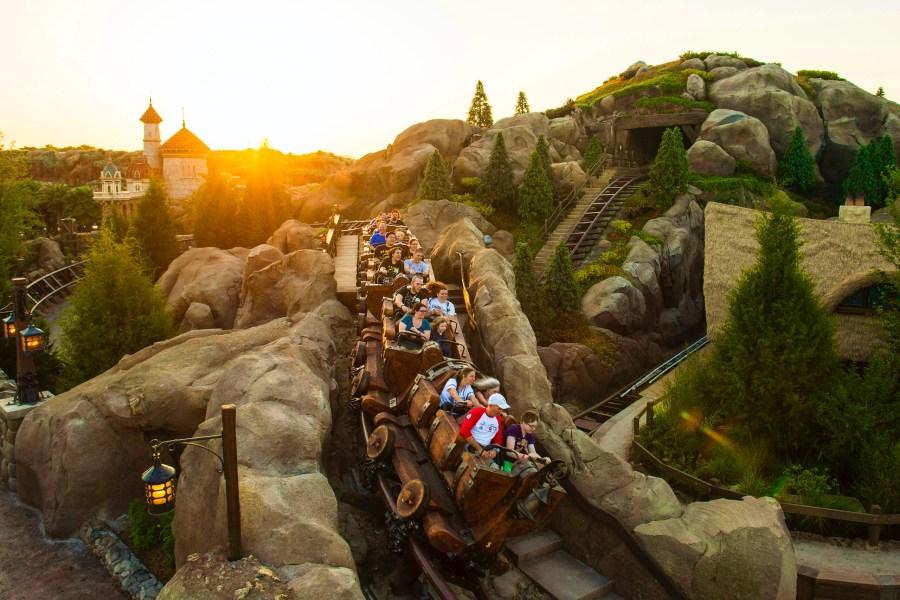 Walt Disney World Tipps und Tricks: Die Familien-Achterbahn Seven Dwarfs Mine Train