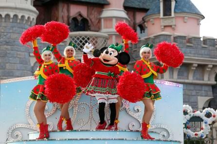 weihnachten-disneyland-paris-a-merry-stitchmas-1