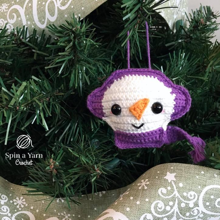 Snowman Ornament close