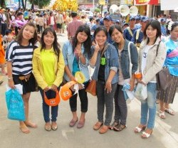 More students, Ubon Ratchathani candle festival