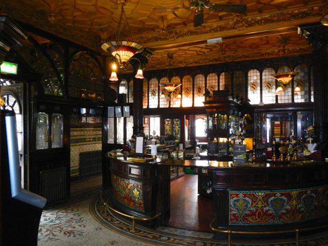 cool pubs (The Philharmonic, Liverpool)