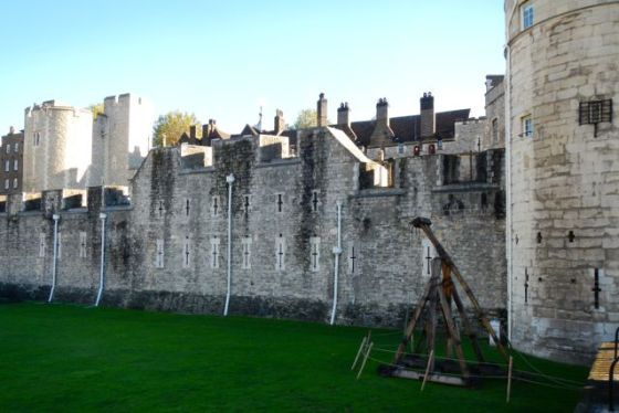Tower of London, complete with trebuchet
