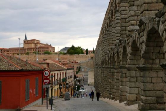 the aqueduct to Old Segovia