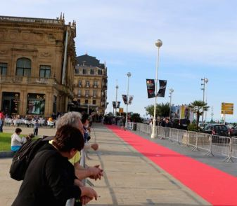 people starting to line up on the red carpet for the film festival stars
