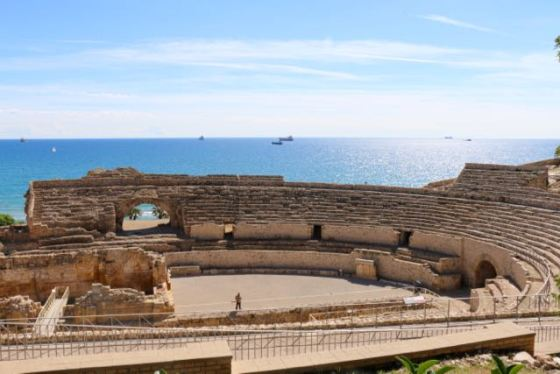 the Roman amphitheater - nice backdrop!