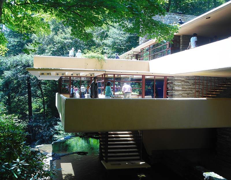 Perch visitare la casa sulla cascata di Frank Lloyd Wright  sempre una buona idea  Spinning