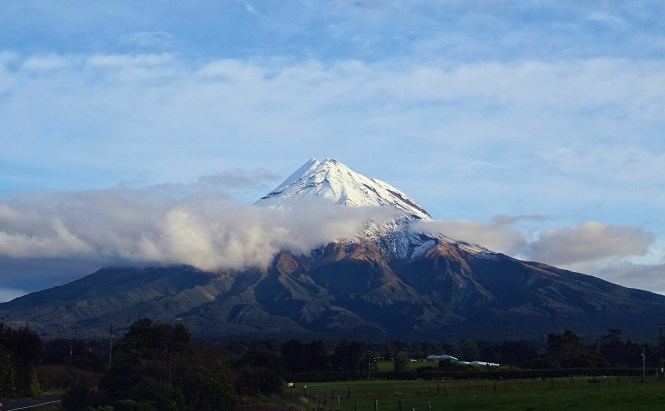 Mount Taranaki, New Zealand - spinthewindrose.com