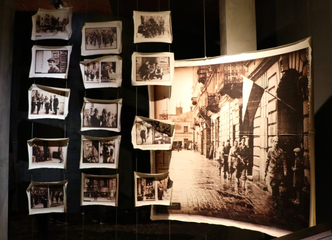 Warsaw Rising Museum, Warsaw, Poland - spinthewindrose.com